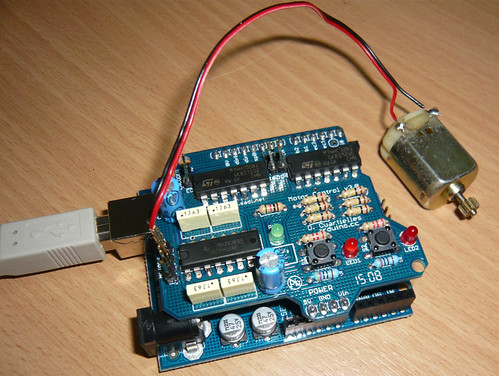 Example Dc Motor A Shield To Control Motors With Arduino