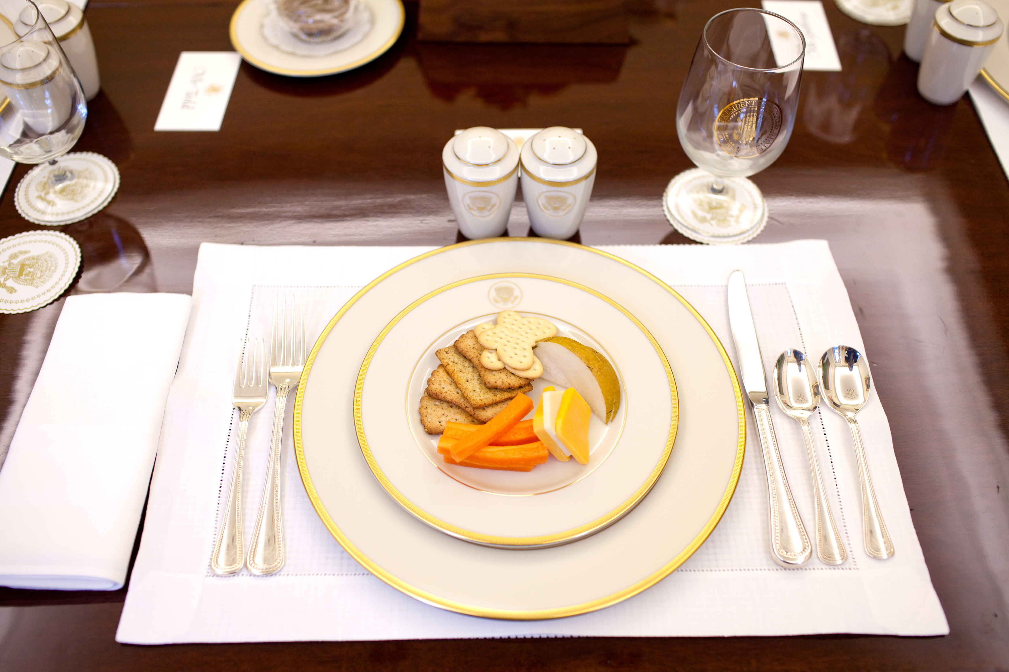 Dining Place Settings ~ Barack obama s food favorites revealed in white house photos