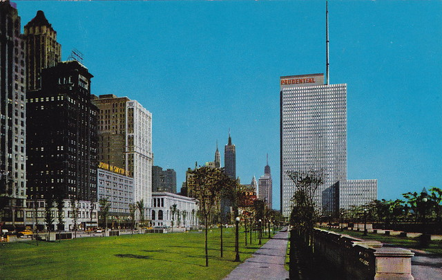 Prudential Building & Michigan Avenue - Chicago