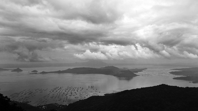 Punta Fuego 13 - Gloomy Taal Lake and Volcano