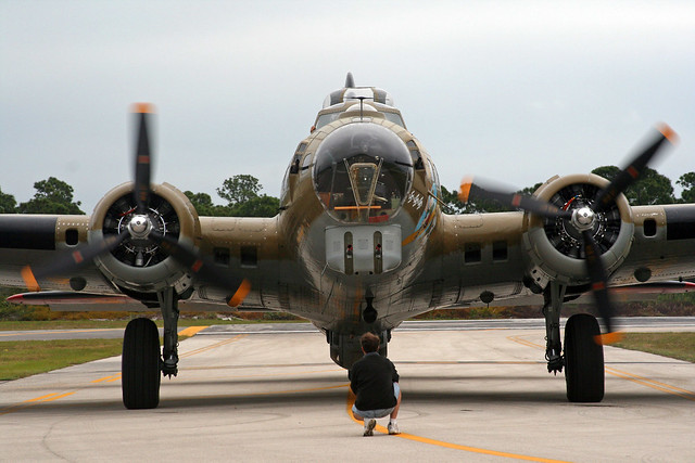 17 flying fortress front taxiing flickr photo sharing