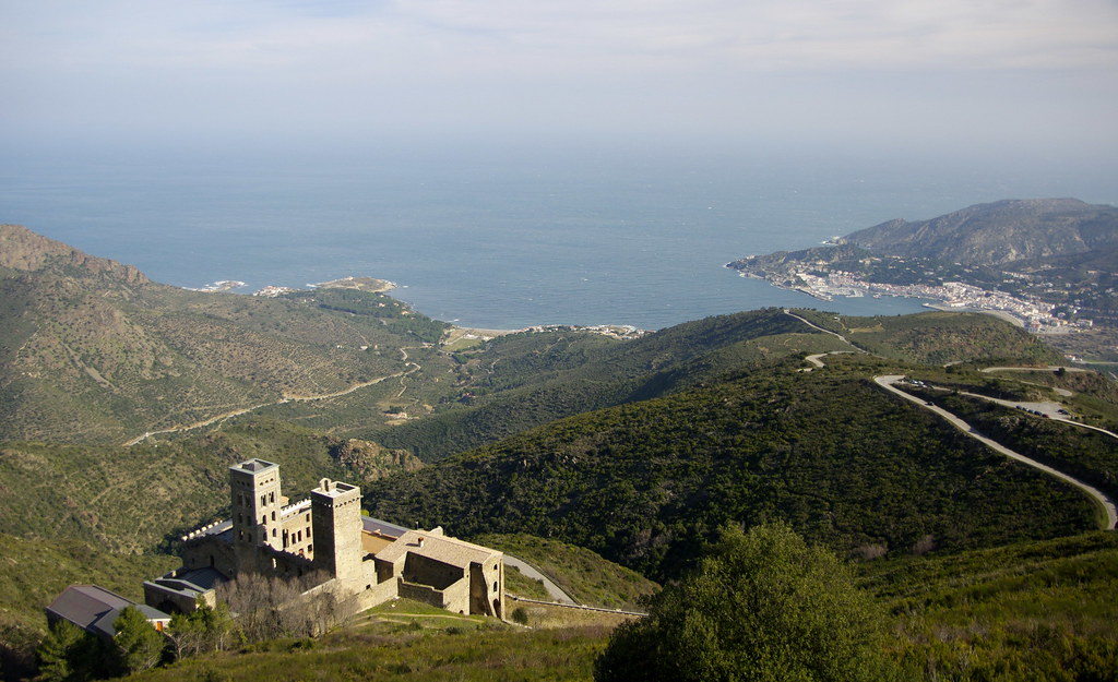 El monestir sobre el mar / The abbey above the sea