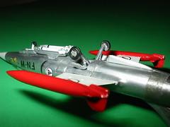 Minicraft 1/144 F-104G Landing Gear,  wingtip drop tanks, Sidewinder missiles, from behind