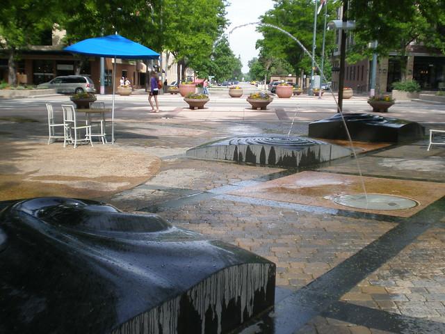 Oak Street Plaza 2