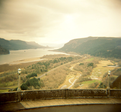 120 film oregon river landscape columbia diana f gorge portra 400nc