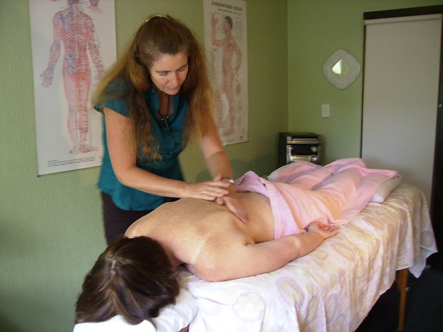 Charlotte Stuart treating an acupuncture patient in Nelson, New Zealand