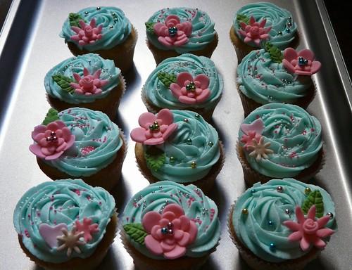 Bake Sale Cupcakes!