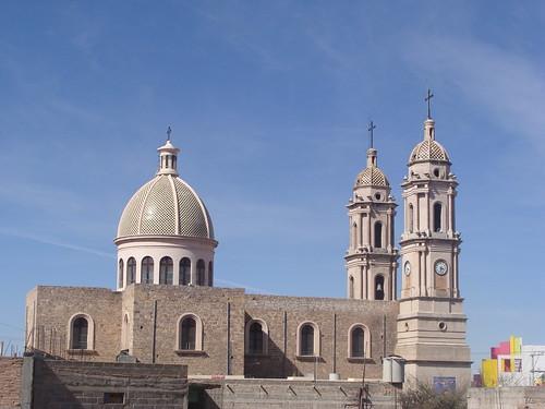 Lateral de la Parroquia de la Santa Veracruz.