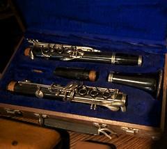 flute(0.0), trumpet(0.0), western concert flute(0.0), cue stick(0.0), euphonium(0.0), woodwind instrument(1.0), oboe(1.0), brass instrument(1.0), wind instrument(1.0),