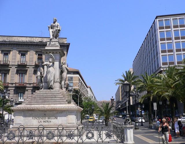 Catania piazza stesicoro e corso sicilia vincenzo for Corso arredatore d interni catania