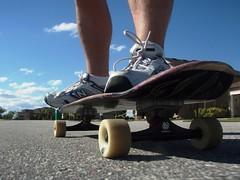 roller skates(0.0), longboard(0.0), skateboarding--equipment and supplies(1.0), footwear(1.0), shoe(1.0), skateboard(1.0), longboarding(1.0), extreme sport(1.0),