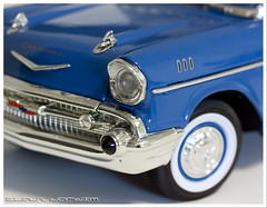 model car(0.0), chevrolet(1.0), automobile(1.0), automotive exterior(1.0), 1957 chevrolet(1.0), vehicle(1.0), chevrolet bel air(1.0), vintage car(1.0), land vehicle(1.0),
