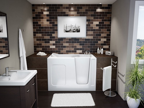 Small Bathroom Solution : Walk-in BathTub by MAXX Professional par Design Inspiration Gallery