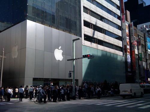 iPad発売日のApple Store 銀座