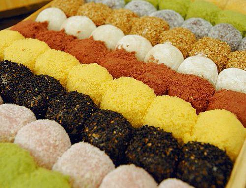 gyeongdan, sweet rice balls | Sticky rice balls, rolled in c ...