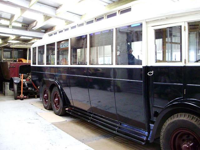 Ashton 8 - 1928 Karrier WL6 (3-axle) English Electric TE5780 £<
