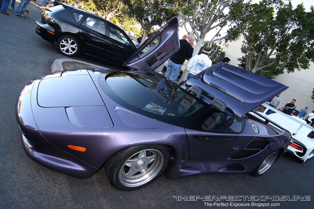The first american supercar vector w 8 v8 twin turbo for V8 honda civic