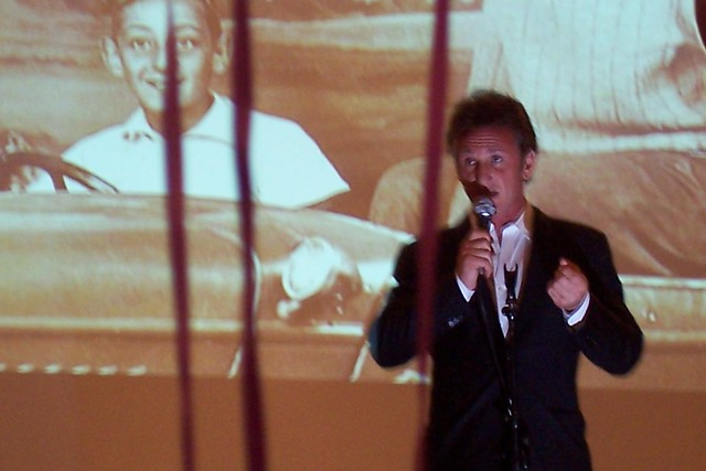 Sean Penn and young Ha...