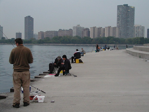 Warning suspicious characters at montrose chicago for Chicago fishing report