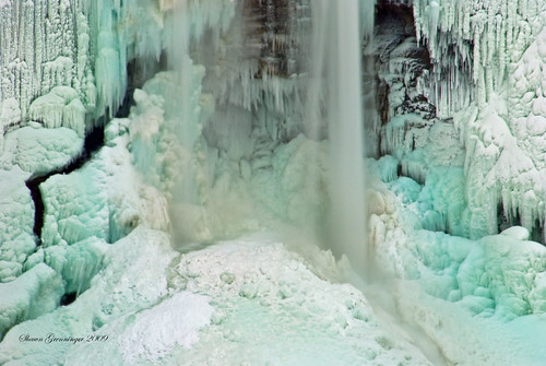statepark blue winter usa ny newyork ice nature creek landscape outdoors frozen waterfall nikon canyon falls telephoto waterfalls gorge amphitheater rim base icicles taughannock icesculpture plunge trumansburg 215 taughannockfalls tompkinscounty golddragon