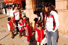 Sacando a pasear a los niños