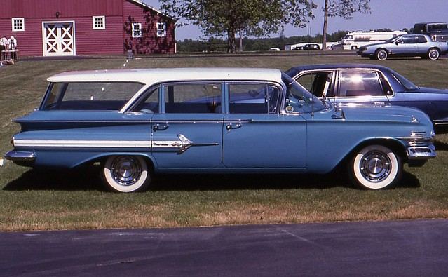 748073 in addition 1256697 as well 1367928 furthermore 1960 Chevrolet Nomad Impala Bel besides 1960 Chevrolet Nomad 4 Door. on 1960 chevrolet nomad 4 door station wagon 161796