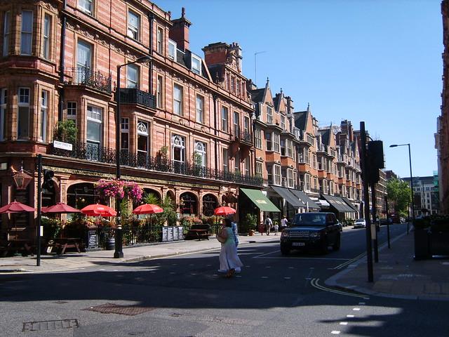 Audley Pub in Mount Street