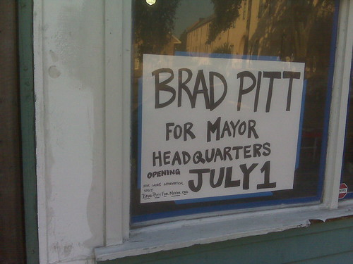 Brad Pitt for Mayor?