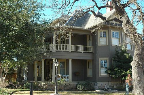 texas granbury hoodcounty jdandgeorgiabrownhouse house 118wbluff 1907 classical revival victorian architecture
