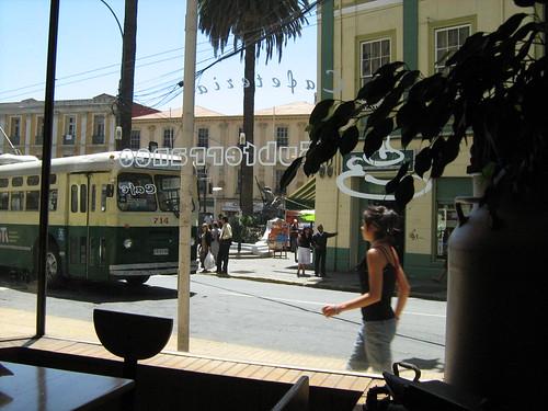 Plaza Aníbal Pinto vista desde el Café Subterráneo