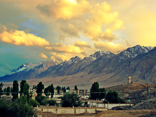2005 china city travel sunset red summer sky sunlight mountain snow color yellow clouds photoshop landscape town ancient highway day village cloudy border peak august valley xinjiang silkroad karakoram tajik himalaya centralasia canonixus400 pamir tashkurgan hindukush highplateau