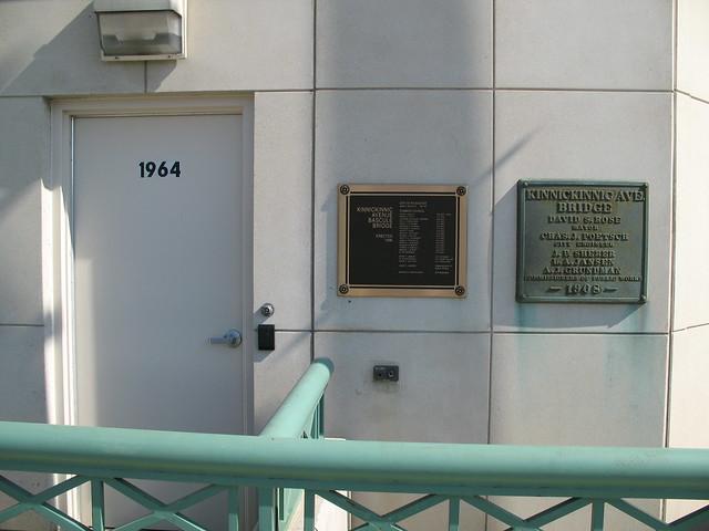 Kinnickinnic Avenue Bridge house