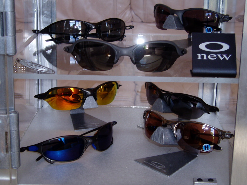 bfd65e7eed563 ... discount oakley x metal collection of today front in display case 0dfe3  7a395