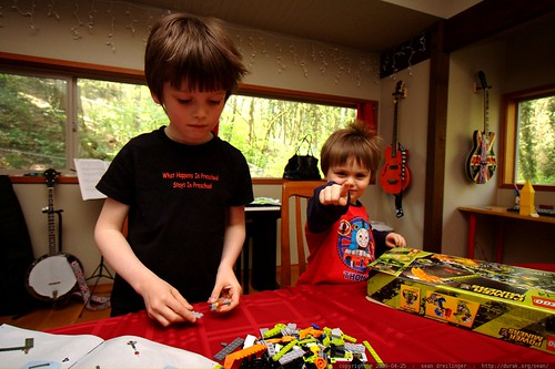 nick and sequoia building a power miners lego kit    MG 2310