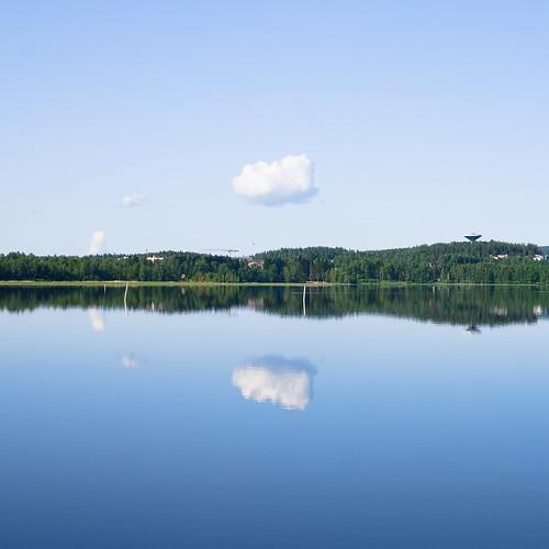 blue cloud reflection tower water 35mm suomi finland square mirror calm symmetry minimal symmetrical jyväskylä pilvi heijastus vesitorni abigfave cmwdblue