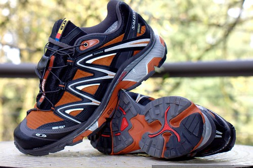 rejected running shoes   salomon men's xt wings gtx    MG 1875