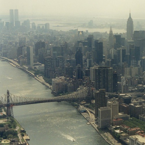East River + Queensboro Bridge / heli-flight
