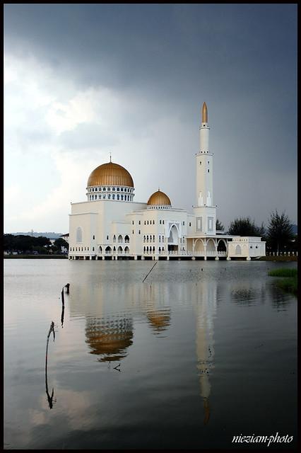 As-Salam Mosque Puchong Perdana