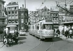 Amsterdam, verlaten sporen en verdwenen materieel in Amsterdam. Abandoned tracks and vintage trams in Amsterdam