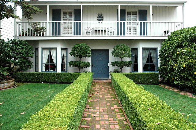 yard white house formal design san mateo house san francisco bay area