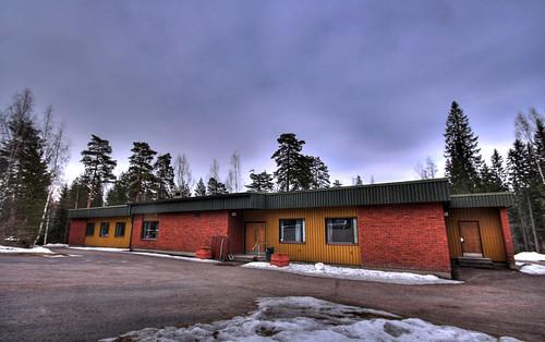 trees winter camp sky snow building tree church parish architecture clouds finland landscape geotagged religion christian hdr conferencecenter mäntsälä tonemapped tonemap ahvenlampi