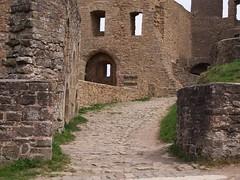 Weg durchs Innere einer Burg