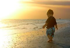 【夢占い診断】赤ちゃんと一緒に恋人が登場する夢