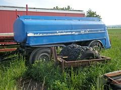 Tanker am Feldrand
