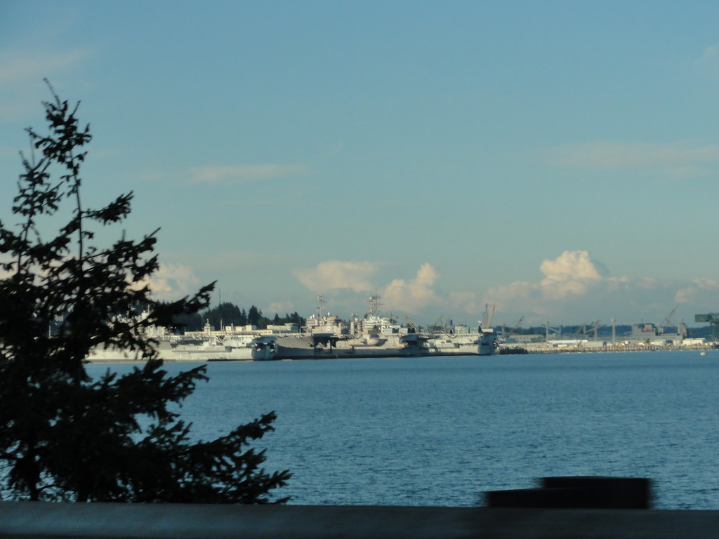 $62+ Seattle Hotels: AAA, Senior, Military & Cheap Rates