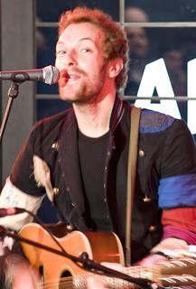 Der Coldplay Sänger beim Spielen ...