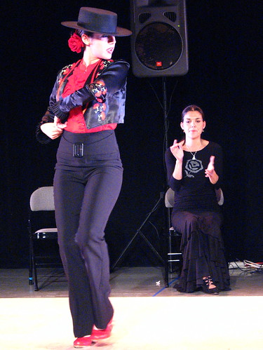 Flamenco dancer Milagros performing Garrotín 4
