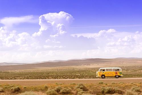 [フリー画像素材] 自然風景, 砂漠, 雲, 乗り物・交通, 自動車, フォルクスワーゲン ID:201212230000