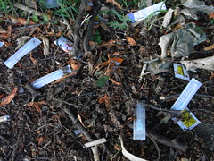 soil, litter, waste,