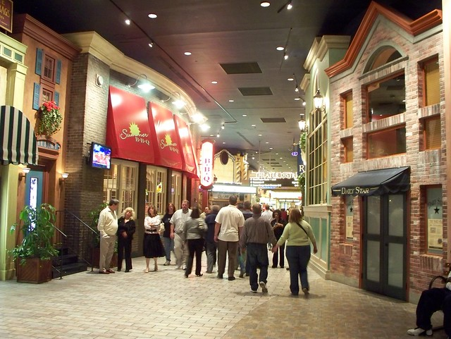 Foxwood casino stores